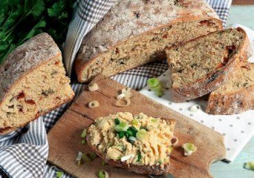 spaldovy-chlieb s paradajkami